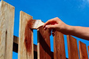 verschil beitsen of impregeneren van hout